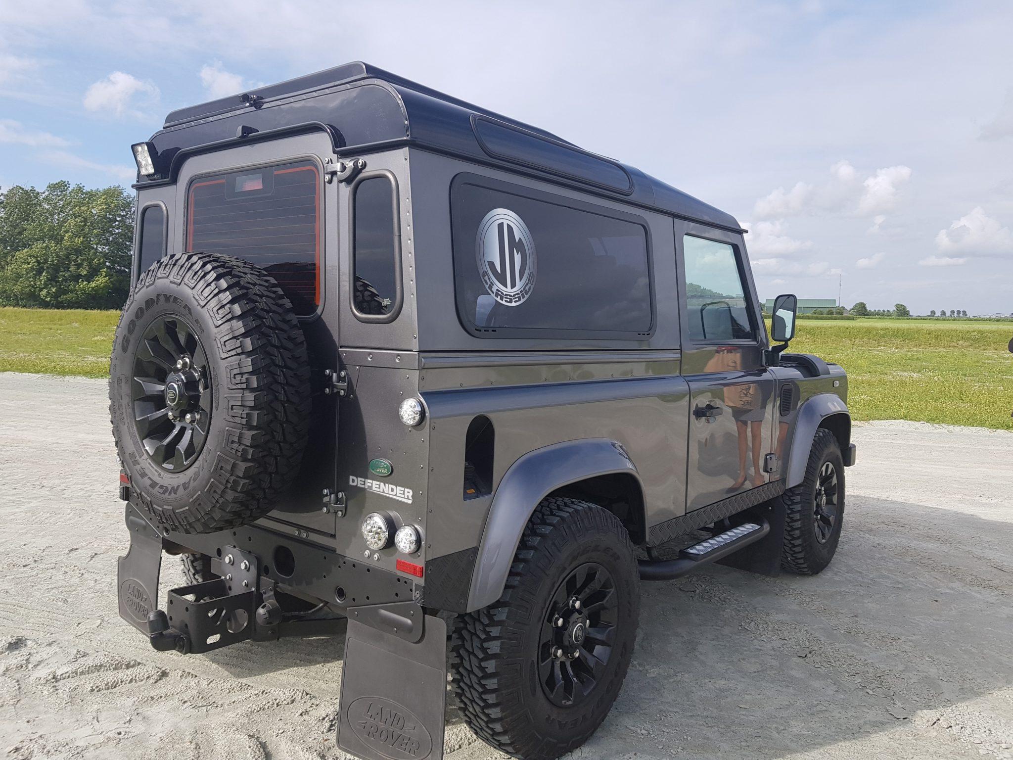 Land Rover Defender - 2014